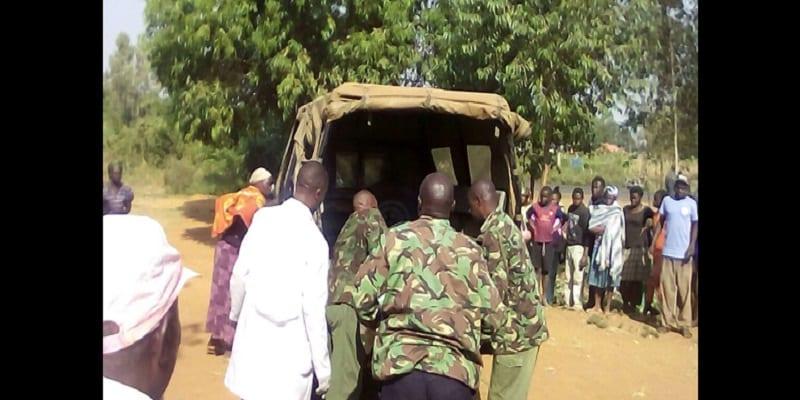 Photo de Ouganda: 3 soldats accusés de vol,  lynchés à mort par une foule en colère