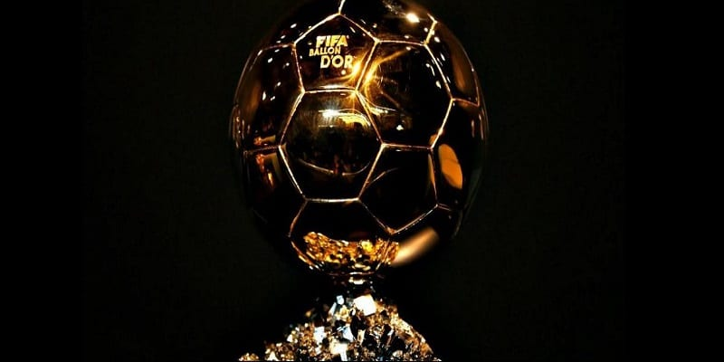Photo de France Football annonce la création d'un Ballon d'Or féminin