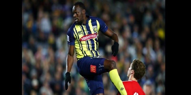 Photo de Australie: Usain Bolt rate ses débuts en tant que footballeur professionnel (vidéo)
