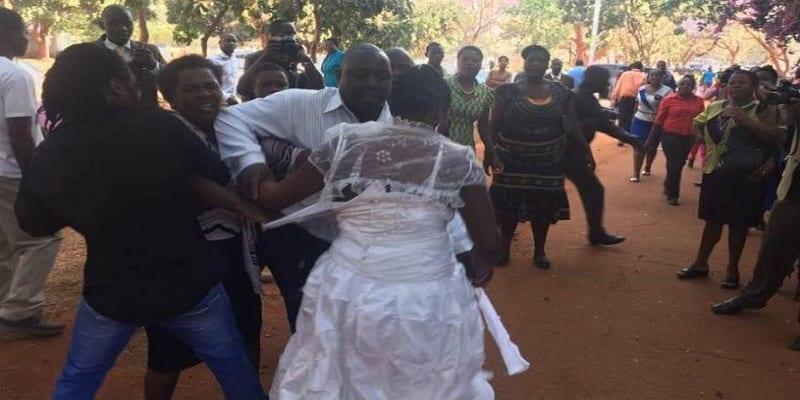 Photo de Nigeria: une mariée gifle sa belle-mère lors de sa réception de mariage