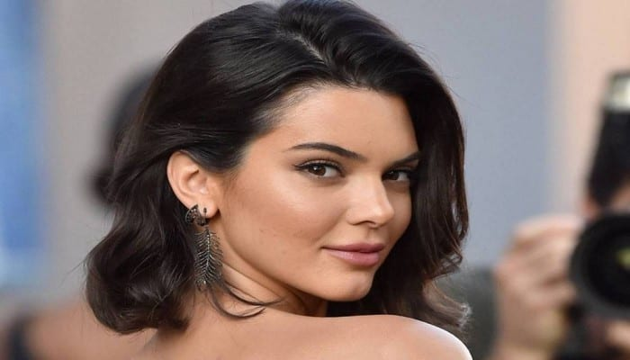 Photo de People: Des photos nues de Kendall Jenner affolent la toile!