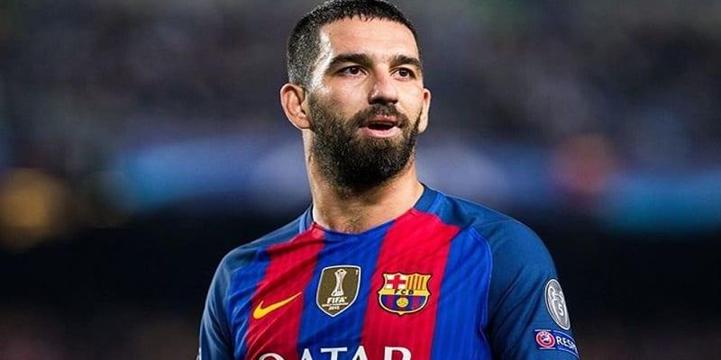 Photo de L'ancien joueur de Barça, Arda Turan risque 12 ans de prison