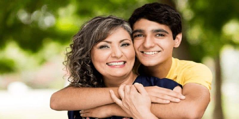 Photo de L'âge de puberté des garçons est lié à celui de leur mère- Étude