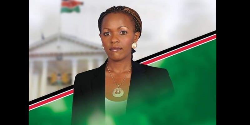 Photo de Kenya: Une aspirante à la présidence pose à moitié nue pour battre campagne