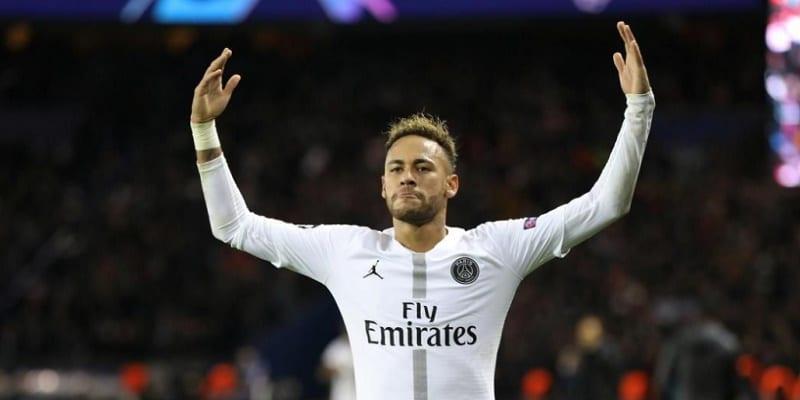 Photo de LDC:  Neymar bat le record de buts marqués par un joueur brésilien