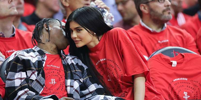 Photo de People : Kylie Jenner et Travis Scott fiancés en secret ?