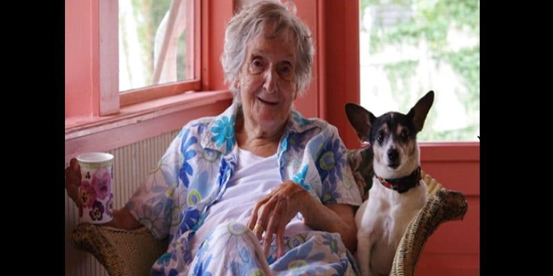 Photo de Une veuve milliardaire lègue toute sa fortune à son chien pour punir ses enfants