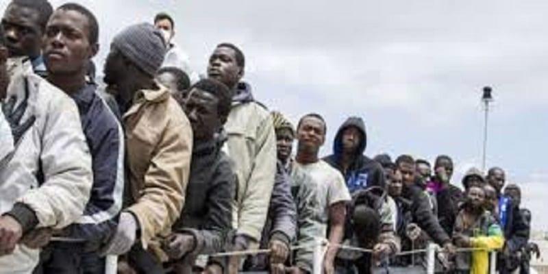Photo de Angola: 417000 étrangers expulsés du pays depuis octobre.