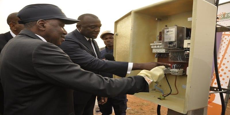 Photo de Côte d'Ivoire: 408882 ménages connectés au réseau électrique avec un paiement de 1000 FCFA