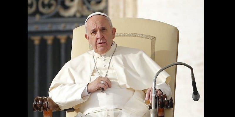 Photo de Célébration de Noël: Le Pape condamne l'avidité des hommes