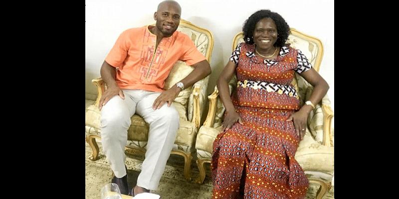 Photo de Côte d'ivoire: Drogba rend visite à l'ex-première dame Simone Gbagbo