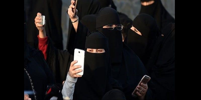 Photo de Arabie saoudite: Les femmes désormais informées de leur divorce par SMS