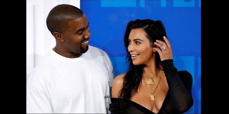 Photo de Kanye West offre un cadeau de 14 millions de dollars à Kim Kardashian-Photos