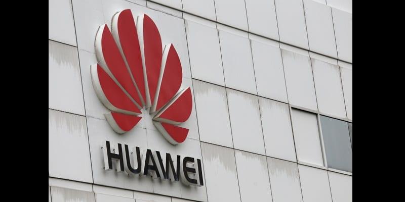 Photo de Huawei punit deux de ses employés pour un tweet