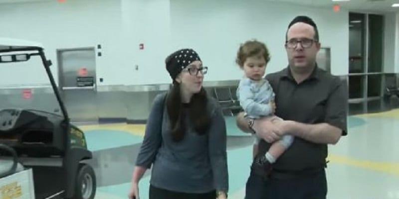 """Photo de USA: Un couple et leur bébé expulsés d'un avion pour """"leur mauvaise odeur"""""""