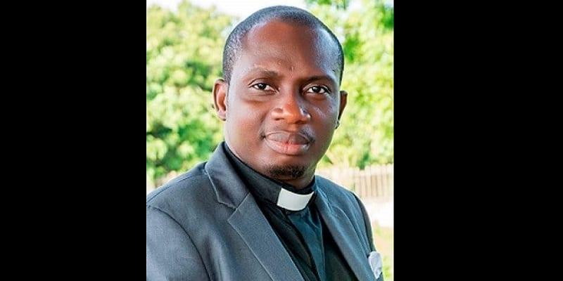 """Photo de Ghana: """"Achetez un cadeau à l'homme qui a brisé votre virginité », dixit le conseiller Lutterodt"""