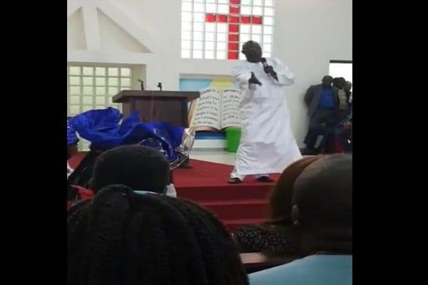 Photo de Liberia: Le président Weah ouvre sa propre église et prononce son sermon inaugural