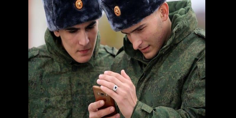 Photo de Russie : Les smartphones désormais interdits aux militaires