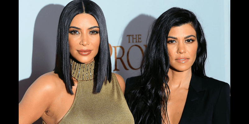 Photo de People : Kim et Kourtney Kardashian totalement méconnaissables (photo)