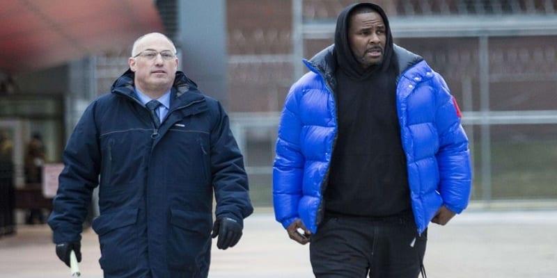 Photo de R.Kelly sort de prison: le célèbre chanteur fait face à un autre problème familial