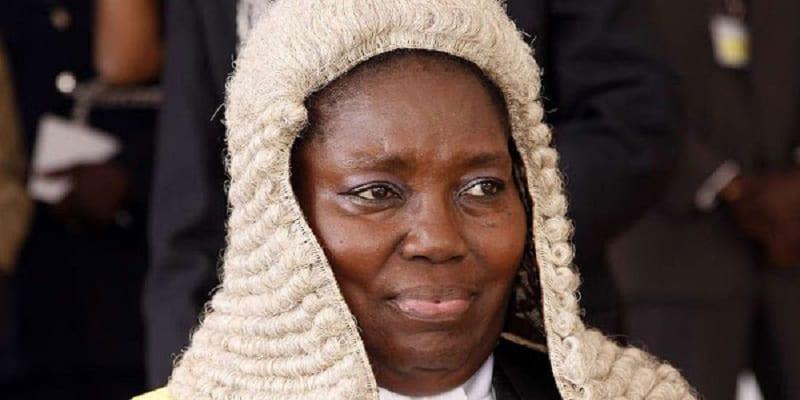 Photo de Ouganda: un féticheur porte plainte contre la présidente du parlement