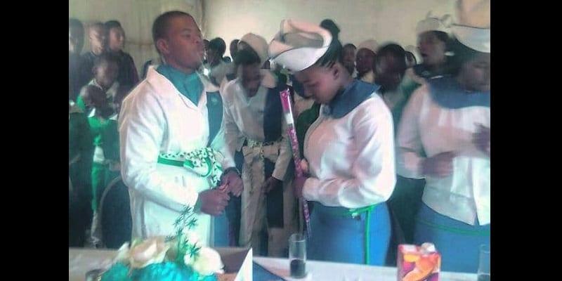 Photo de Afrique du Sud : A 16 ans, le fils d'un pasteur épouse sa petite amie de 15 ans (vidéo)