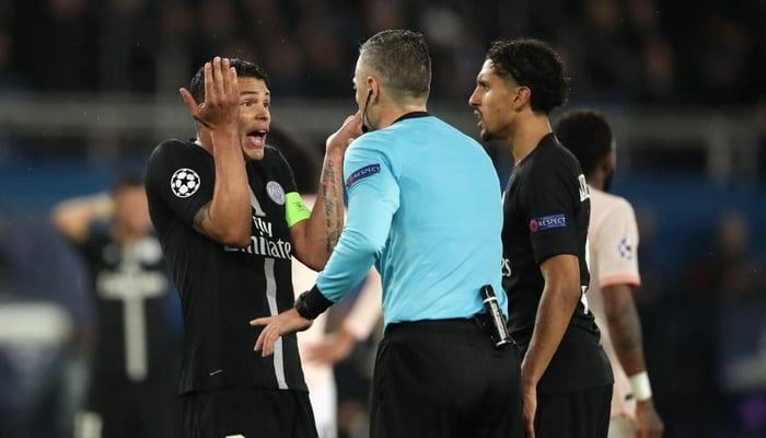"""Photo de Élimination du PSG: Pour deux anciens de Man. United """"Jamais de la vie il y a penalty"""""""