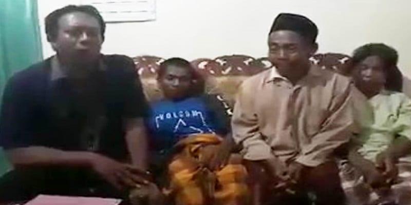 """Photo de Indonésie: Accusé d'avoir tué son épouse avec """"son gros sexe"""", un veuf forcé à montrer son pénis"""