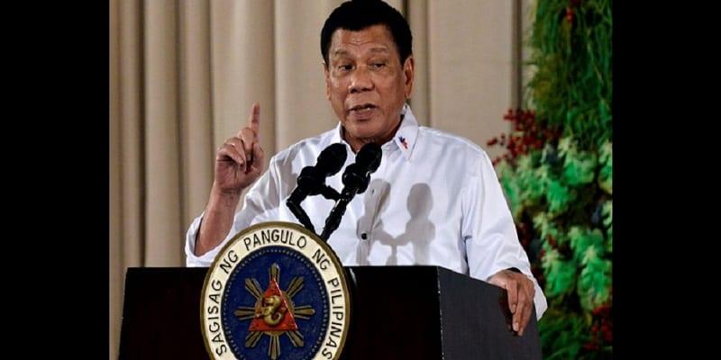 """Photo de Philippines: Le président Rodrigo Duterte se vante de son """"énorme pénis"""""""