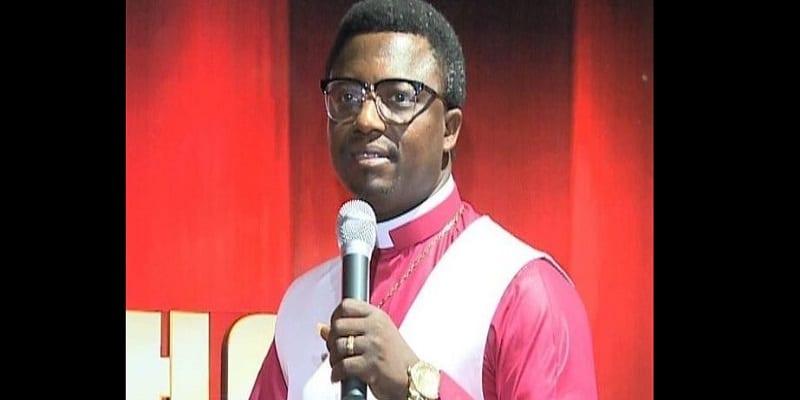 Photo de Un pasteur ghanéen a un message pour les hommes avec un gros pénis