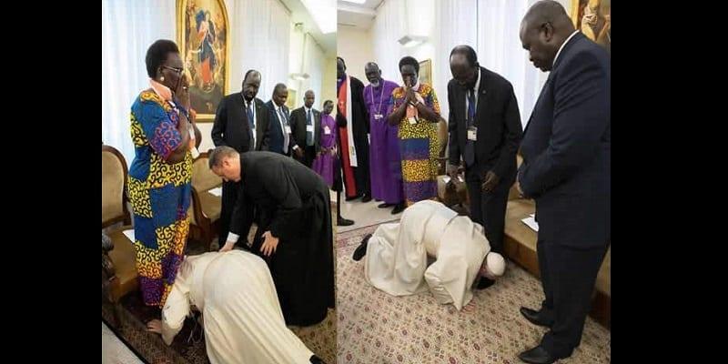 Photo de Le pape embrasse les pieds des dirigeants du Sud-Soudan et les exhorte à préserver la paix