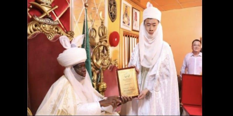 Photo de Nigeria : Un autre Chinois intronisé roi (vidéo)