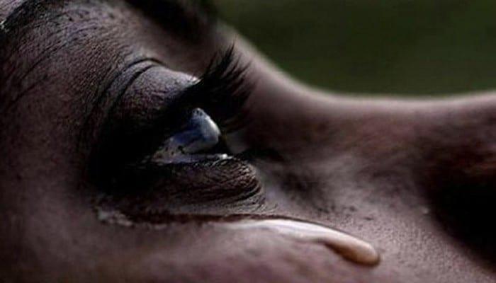 femme-pleure-larmes-041018-800px