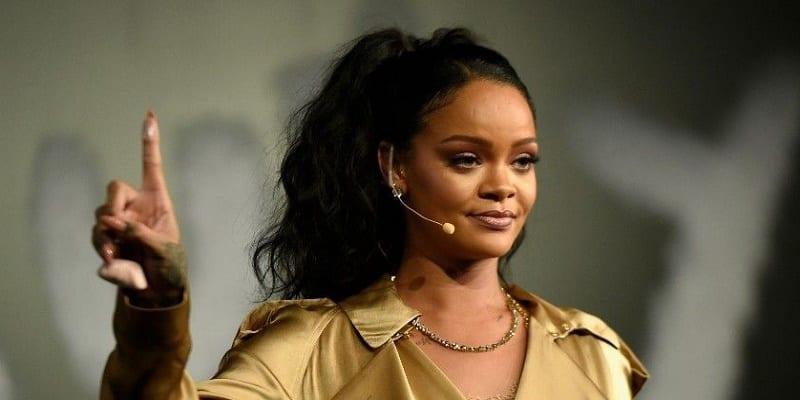 Photo de Rihanna, la chanteuse, la plus riche au monde (Voir le Top 4)