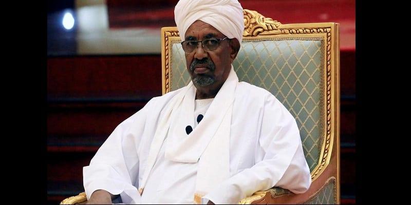 Photo de Soudan: L'ex-président Omar el-Béchir inculpé pour corruption