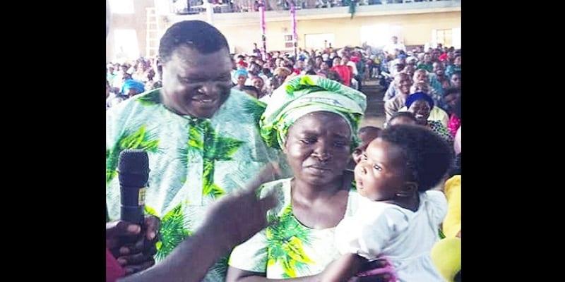Photo de Insolite: Une femme donne naissance à un bébé après 10 ans de grossesse