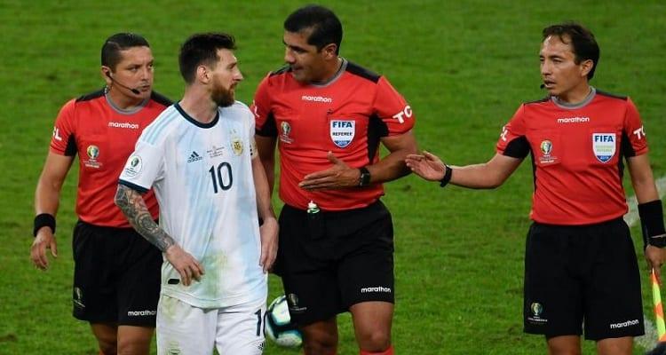 """Photo de """"Ils n'ont pas arrêté de siffler des conneries pendant cette Copa America"""": Messi s'en prend aux arbitres"""
