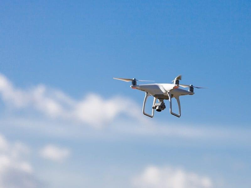 Photo de Côte d'Ivoire: 3 millions de francs CFA pour exploiter un drone civil