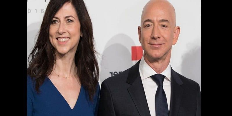 Photo de Jeff Bezos officialise son divorce à 38 milliards de dollars