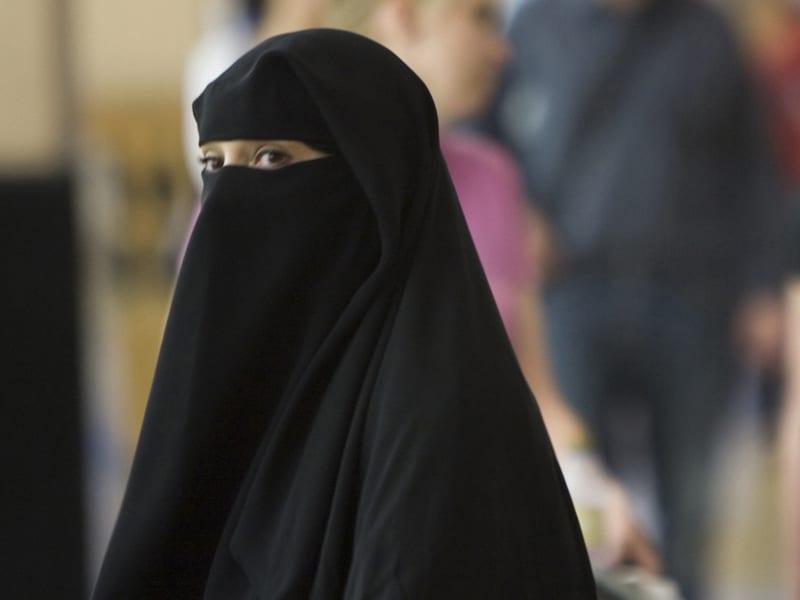 Photo de Tunisie : Le port du Niqab interdit dans les institutions publiques