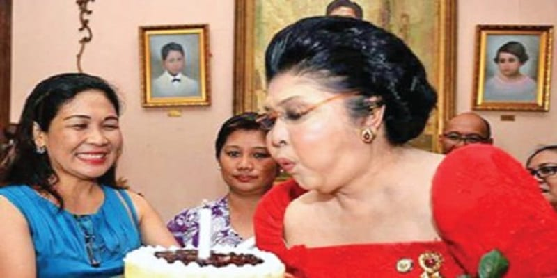 Photo de Philippines: Des centaines d'invités hospitalisés après la fête anniversaire de l'ancienne première dame