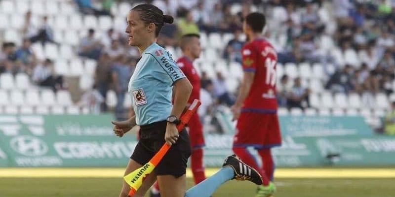 Photo de Football : pour la première fois, une femme va arbitrer en Liga