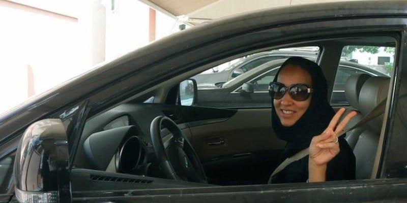 Photo de Arabie saoudite: les femmes peuvent enfin voyager seules