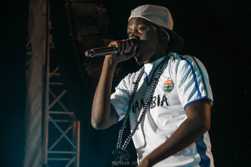 Photo de Killa Ace, rappeur et activiste gambien placé en garde à vue