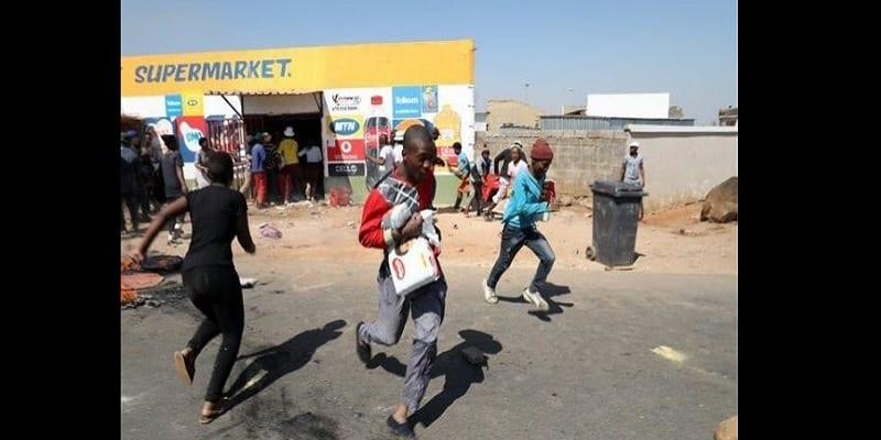 Photo de Afrique du Sud: Vague de pillage de commerces appartenant à des étrangers