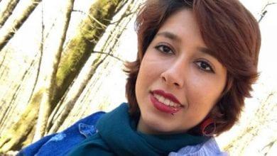 Photo de Iran : une femme condamnée à une lourde peine de prison pour avoir ôté son voile en public