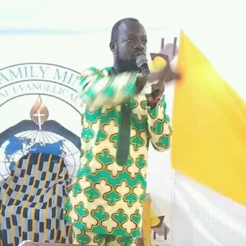"""Photo de Côte d'Ivoire: un pasteur affirme qu'il peut """"ressusciter"""" Dj Arafat  [Vidéo]"""