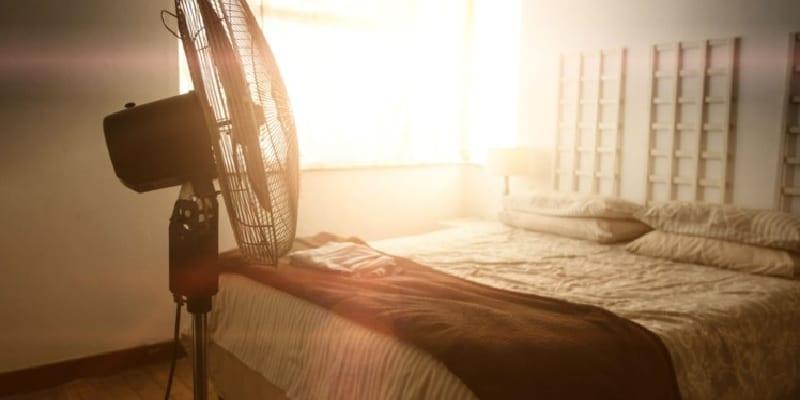 Photo de Santé : Voici pourquoi il ne faut pas dormir avec le ventilateur allumé