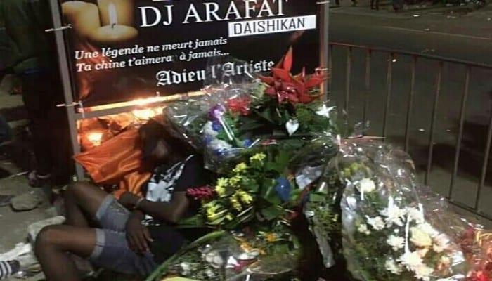 """Photo de Décès de Dj Arafat: Ce """"chinois"""" révèle pourquoi il ne quitte plus le lieu du drame"""