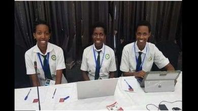 Photo de Rwanda : trois élèves développent une application anti-corruption